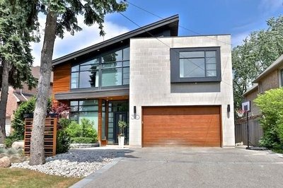 30 Longwood Dr Toronto, ON - M3B1T8