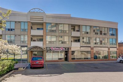 897/899 Sheppard Ave Toronto, ON - M3H2T4