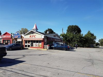 1760 Lawrence Ave E Toronto, ON - M1R2Y1
