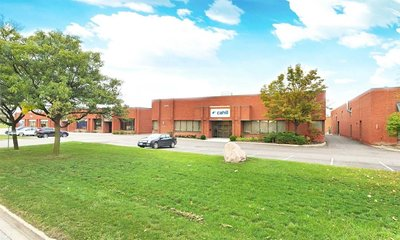 204 Wilkinson Rd Brampton, ON - L6T4M4