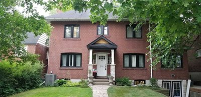 235 Queens Dr Toronto, ON - M9N2H8