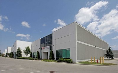 4140b Sladeview Cres Mississauga, ON - L5L6A1