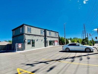 1-3 Queen St S Mississauga, ON - L5M 1K2