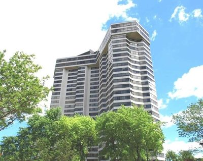 1300 Bloor St W Mississauga, ON - L4Y3Z2