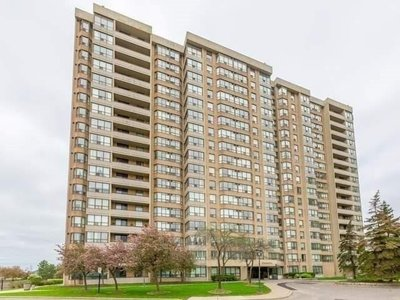 30 Malta Ave Brampton, ON - L6Y4S5