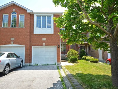 725 Stonebridge Ave Mississauga, ON - L5V2K9