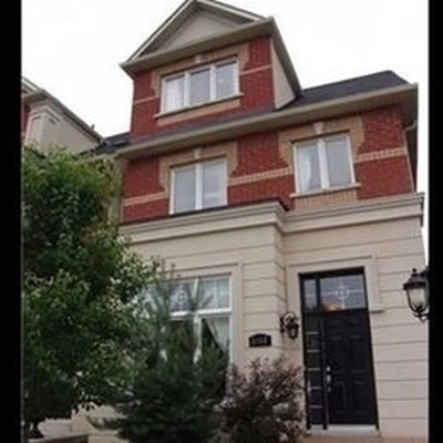 3152 Eclipse Ave Mississauga, ON - L5M7X1