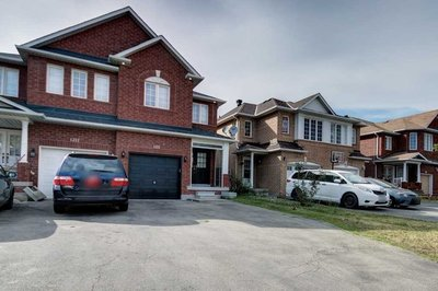 1215 Prestonwood Cres Mississauga, ON - L5V2V4
