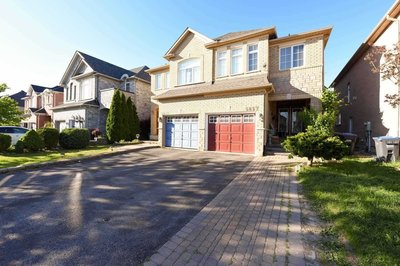 5857 Questman Hllw Mississauga, ON - L5M6P3