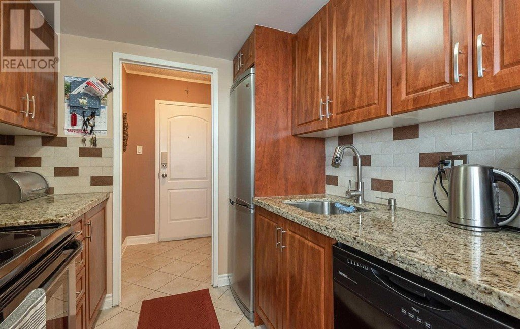 #1108 -3145 QUEEN FREDERICA DR